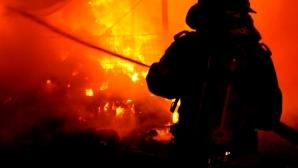 Un incendiu puternic a izbucnit la o şcoală primară din estul Londrei