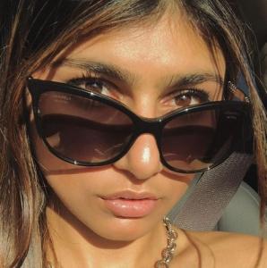 Actriţa din filmele pentru adulţi Mia Khalifa a clacat: Sunt hărţuită în fel şi chip! Mi-e şi silă!