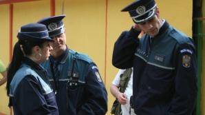 Poliţiştii au deschis un dosar penal în cazul fetiţei ce ar fi fost agresată de educatoare