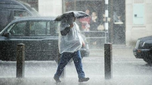 METEO septembrie. România, lovită de un VAL de ploi. Alertă de vijelii periculoase şi frig accentuat