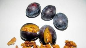 Dulceaţă de prune cu miez de nucă. Reţeta secretă din caietul bunicii