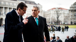 Premierul maghiar Viktor Orban alături de omologul polonez,Mateusz Morawiecki
