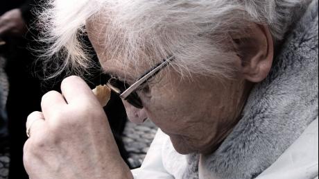 S-a descoperit un nou factor ce provoacă demența. Cine sunt românii expuși la el