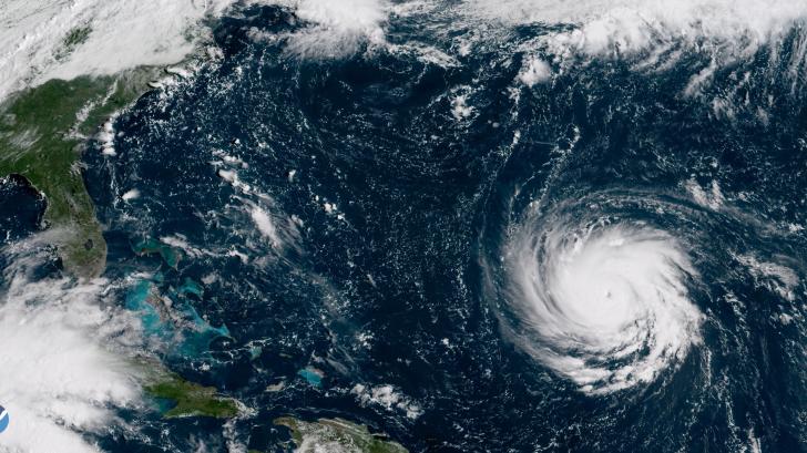 SUA se pregătesc pentru un uragan-monstru. Florence va lovi joi coasta de est