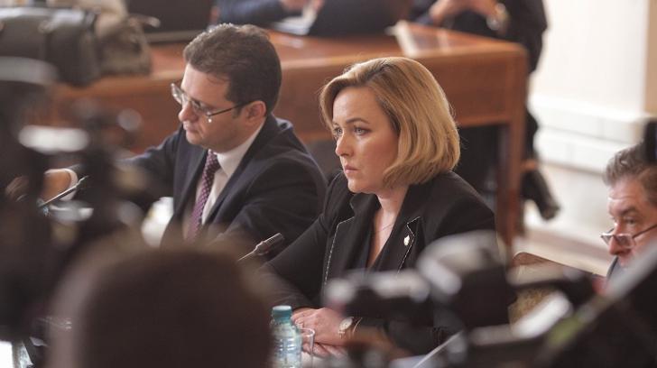 Carmen Dan vrea puteri sporite pentru Jandarmerie şi legi mai dure pentru proteste