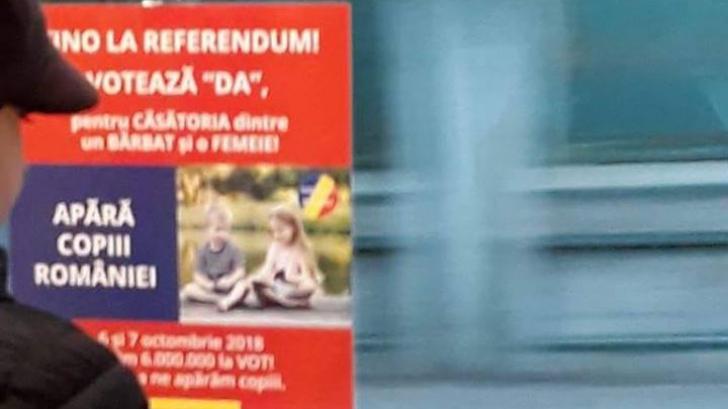 Afișele electorale pro-referendum, retrase din autobuzele din Galați