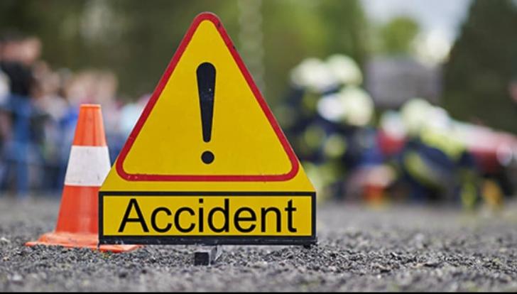 Accident grav la Brașov. O mașină s-a răsturnat: un mort și doi răniți