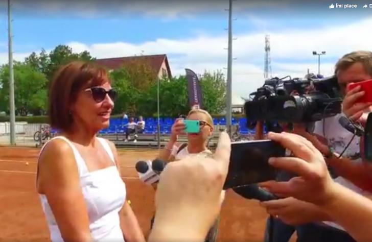 Carmen Iohannis, apariție de senzație pe terenul de tenis