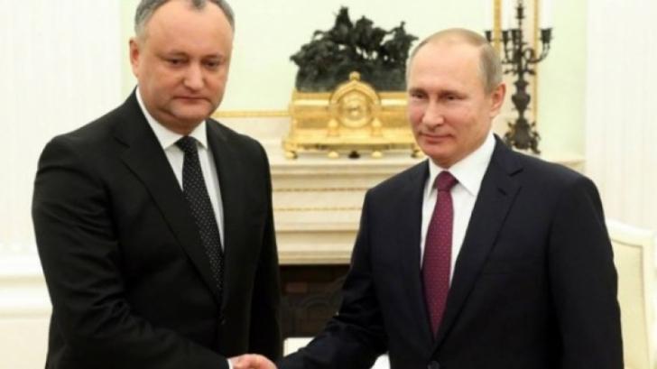 Igor Dodon s-a întâlnit cu Vladmir Putin. Urmează o vizită oficială în Rusia