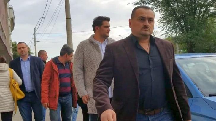 Un jurnalist a fost bruscat de bodyguarzii fiului lui Liviu Dragnea