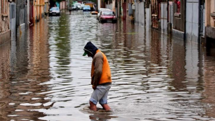 Cod galben de inundaţii, pe râuri din şase judeţe