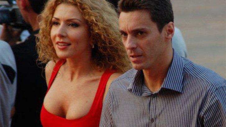 Carmen Bruma, iubita lui Mircea Badea, goala pe net