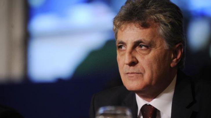 Mircea Duşa, eliberat la cerere din funcţia de secretar de stat la MApN
