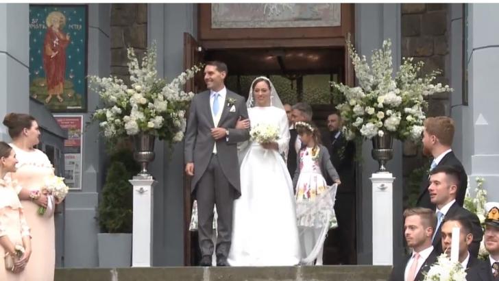Nicolae, nepotul regelui Mihai, s-a căsătorit cu Alina Binder. Mii de oameni au aplaudat cuplul