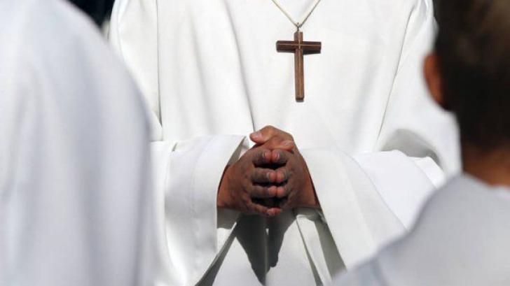 Statistici şocante: peste 3000 de copii abuzaţi de preoţi catolici