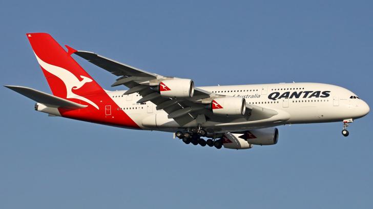 Un avion, nevoit să se întoarcă din drum din cauza unui pasager agitat