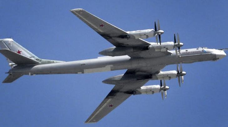 Jocuri periculoase în Europa. Un avion de luptă german a interceptat două bombardiere rusești