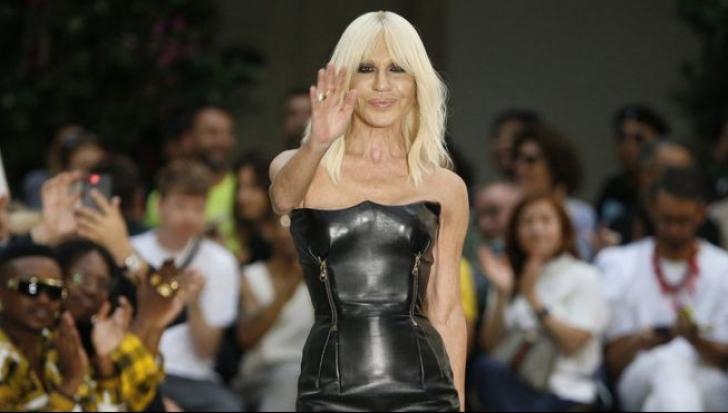 Tranzacţie de miliarde de euro în lumea modei. Cât a costat cumpărarea unui brand celebru