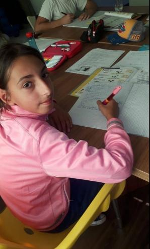 O fetiţă are nevoie de ajutorul nostru! Drama din spatele unor ochi mari şi trişti