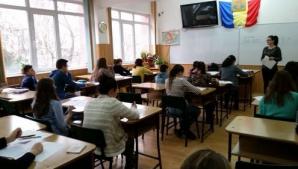 5 octombrie, zi liberă pentru elevi. De ce nu se ţin cursuri înainte de referendum