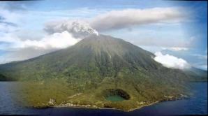 Indonezia - eruptie vulcan