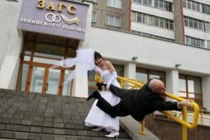 Cele mai nebune fotografii de la nunţi. Imaginile pe care mirii au vrut să le ardă! Groaznice!