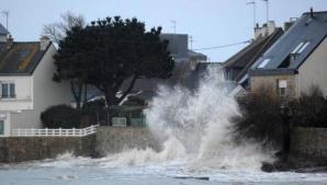 DEZASTRU în Franţa. Imagini apocaliptice. Cel puţin 13 morţi, în urma inundaţiilor