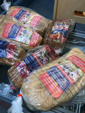 AMENDA colosală primită de firma carea a vândut pâine cu... pliante pro-referendum