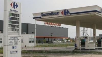 Carrefour vinde benzină şi motorină la pompă. Are staţie PECO. Ce preţuri sunt aici