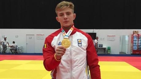 Judoka Adrian Șulcă, în prim-plan la festivitatea de închidere a Jocurilor Olimpice