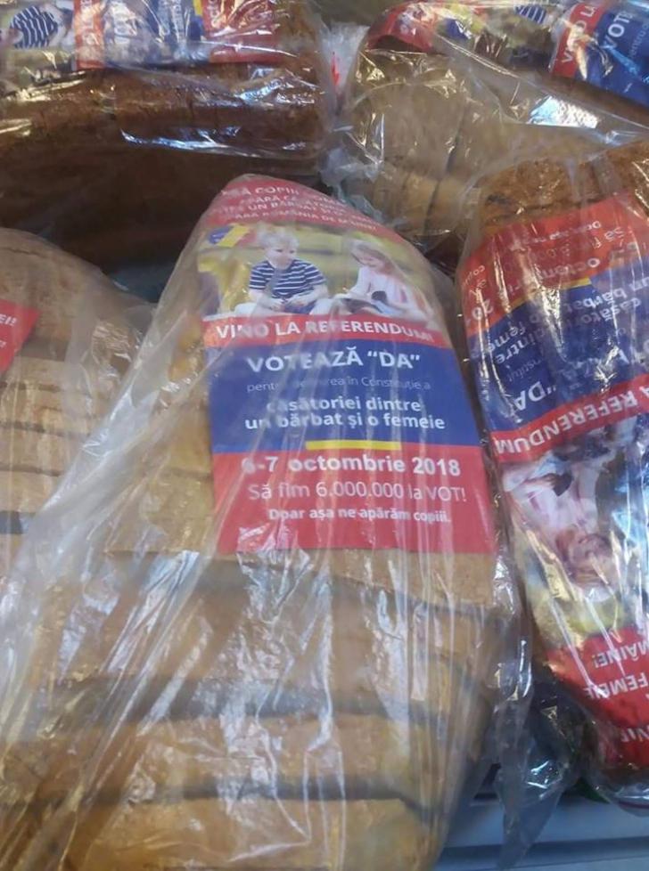 Pâine pentru referendum: Pita de Lugaș vine la pachet cu pliante pro referendum pentru familie