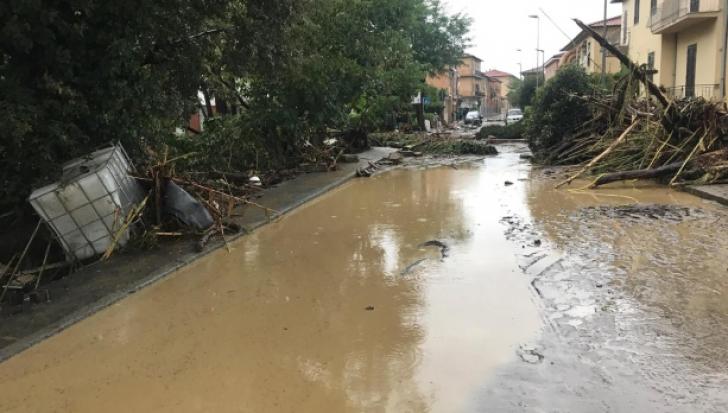 Stare de alertă în toată Italia: Este cod roşu de inundaţii. Imagini apocaliptice