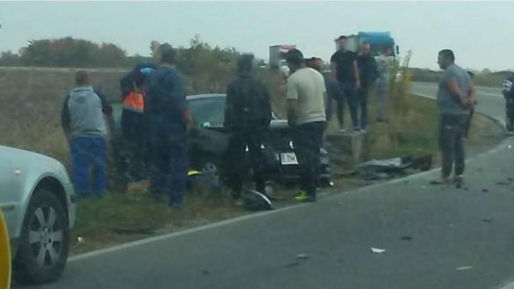 Ambulanţă implicată într-un accident rutier, în Timiş