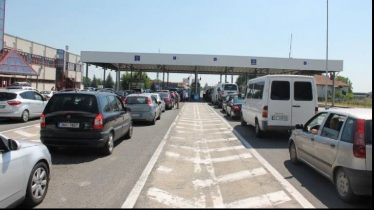 Aglomerație la punctele de trecere a frontierei cu Ungaria