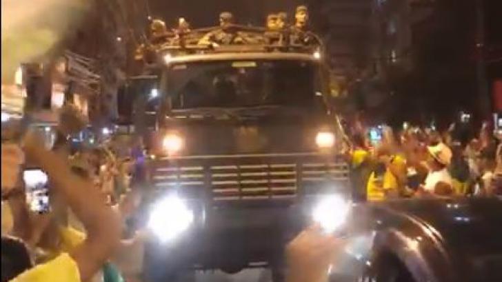 Imagini sumbre în Brazilia. Armata defilează pe străzi și salută victoria extremistului Bolsonaro