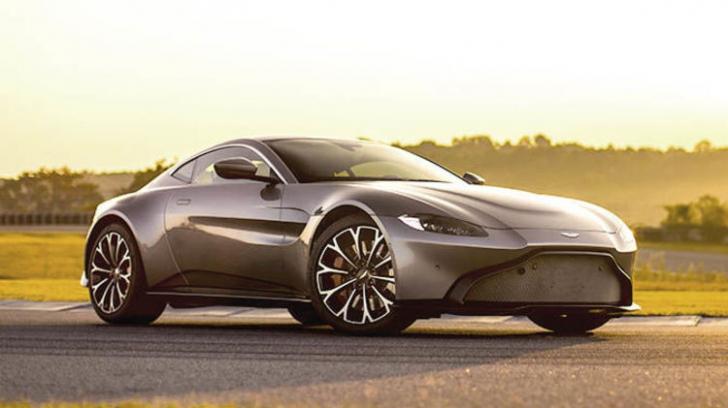I-a cumpărat soţului un Aston Martin de 150.000 $. Oamenii, uimiţi când au văzut cine era la volan