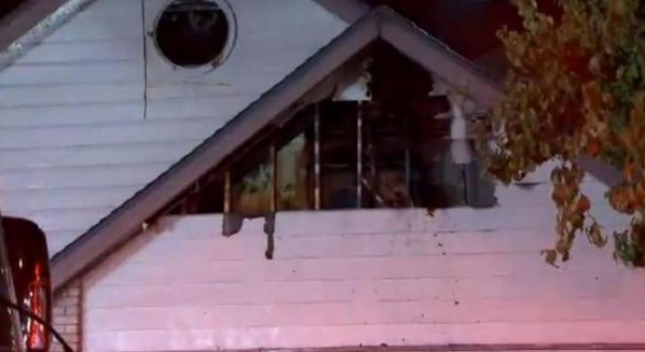 I-a ars casa din temelii, încercând să omoare păianjeni. Ce a declanşat incendiul a şocat
