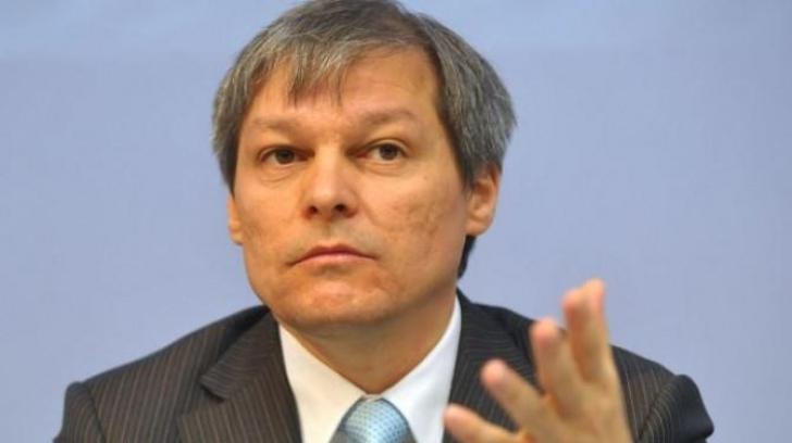 """Cioloş: """"Ce face Victor Ciorbea din calitatea sa de Avocat al Poporului este o ruşine"""""""