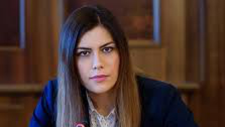 """Cristina Prună (USR): """"Tăriceanu ne spune nonşalant că bugetul ţării are o gaură de 9 miliarde lei"""""""