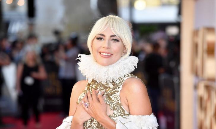 O celebră artistă a spus DA! Cum arata inelul de 400.000 de dolari