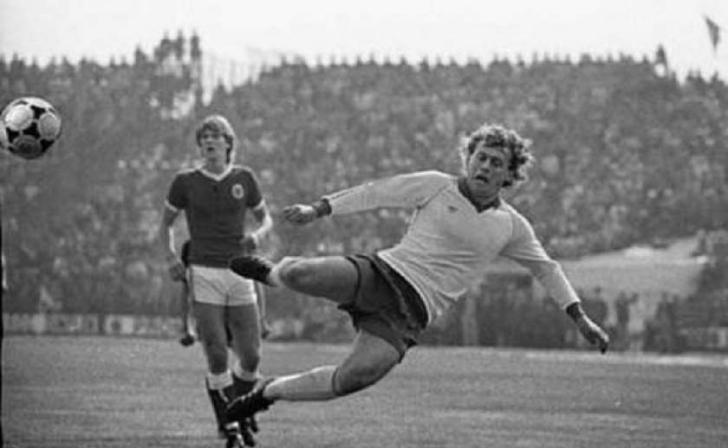 A murit legendarul fotbalist Ilie Balaci