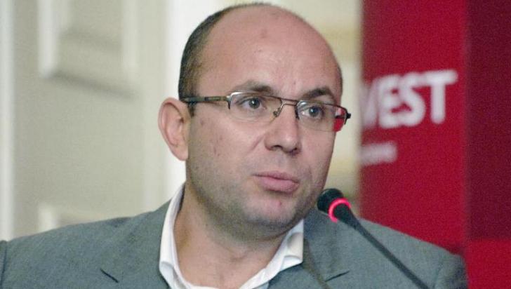 """Cozmin Guşă: Scenariul era ca Liviu Dragnea să-şi anunţe candidatura la preşedinţiei, după """"victoria"""" de la referendum"""