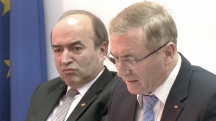 """Tudorel Toader, în """"război"""" cu Augustin Lazăr"""