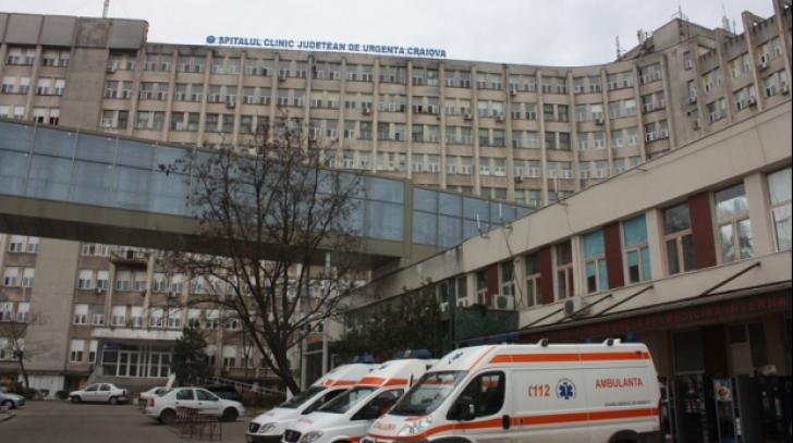 Un lift de la Spitalul Județean din Craiova a căzut în gol. Mai multe persoane au fost rănite