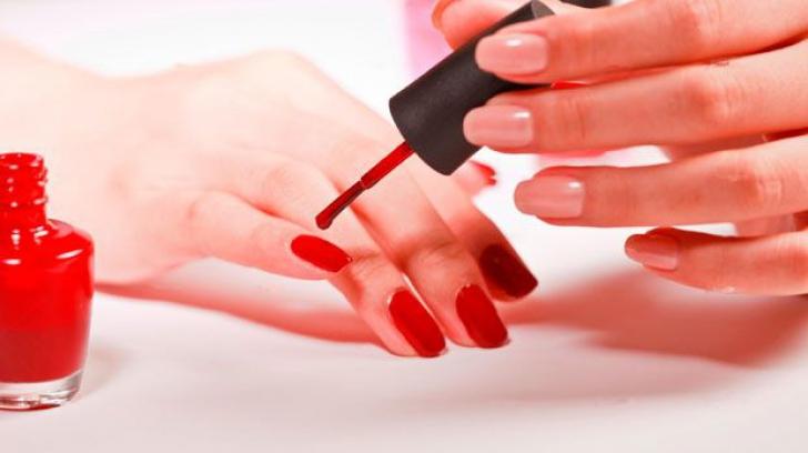 Cum să ai unghii perfecte în sezonul rece. TRUCURI pe care nu le ştiai