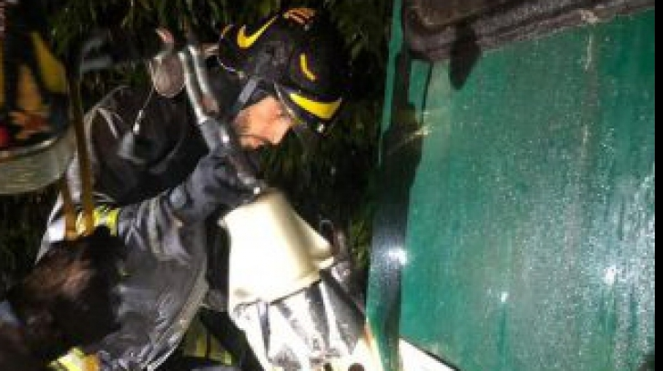 Accident feroviar în Italia: mașina unui român lovită în plin de un tren