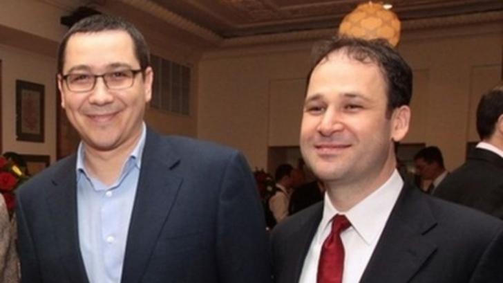 Negoiţă nu se mai ascunde: a venit la congresul lui Ponta şi îi bate apropouri lui Dragnea