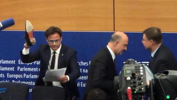 """Incidentul care a inflamat UE. Un comisar european acuză: """"E un cretin, un provocator, un fascist"""""""