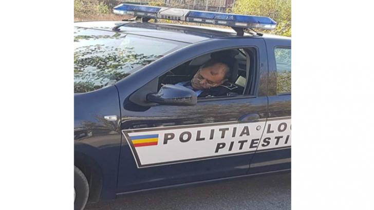 Poliţist local prins dormind în maşina de serviciu