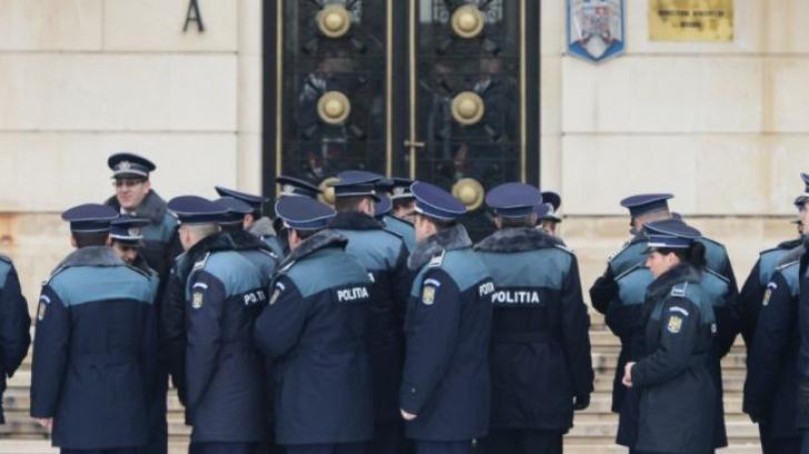 Câți oameni au fost sancționați pentru insulte aduse polițiștilor pe Facebook